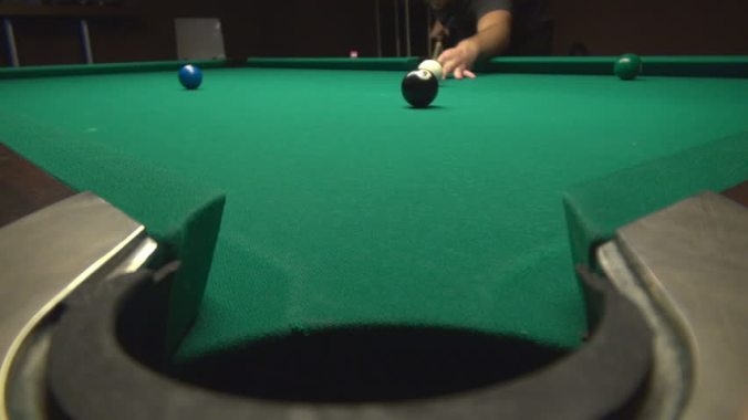 8-ball-corner-pocket